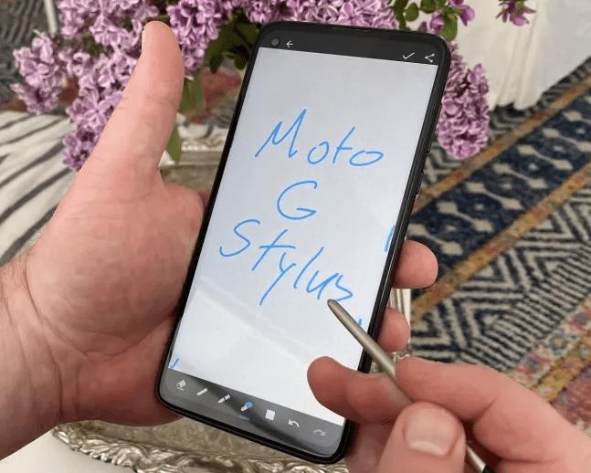 بهترین گوشی های ارزان قیمت - Moto G Stylus
